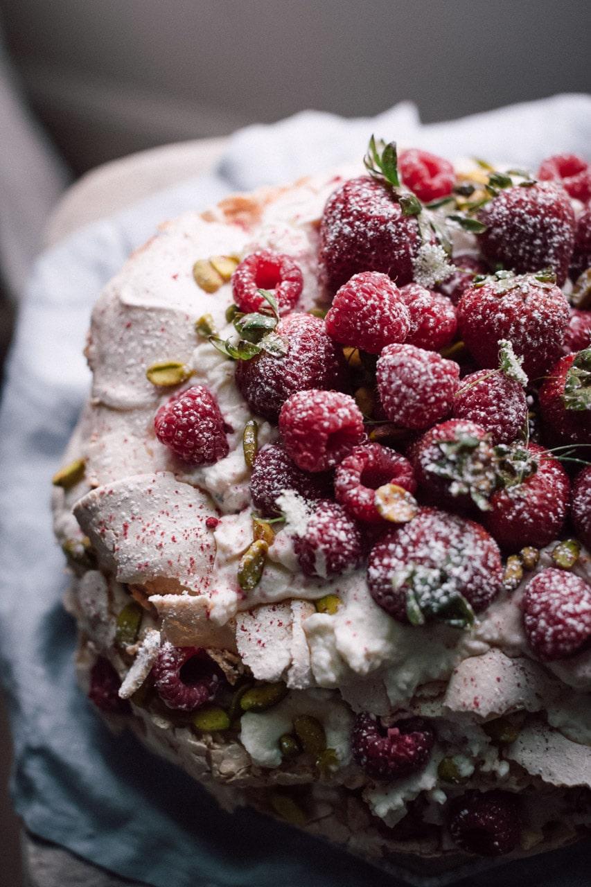 φωτογράφιση κέικ με φρούτα